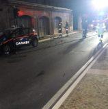 Legnago, ubriaco semina il panico con un camion e distrugge l'auto dei Carabinieri al posto di blocco