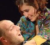 """Minerbe, al Teatro San Lorenzo in scena """"A piedi nudi nel parco"""""""