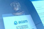 Verona, auto Agsm con il busto del Duce. Il Pd: «Ignobile, si intervenga subito»