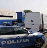 Follia in autostrada: operaio di Pescantina sperona un pattuglia della Polizia e scappa col furgone provocando 3 incidenti: fermato allo svincolo per Venezia