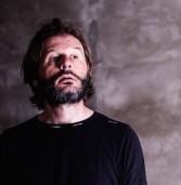 """Legnago, al Fioroni la performance di Roberto Bonotto """"Tutti i colori del nero"""""""