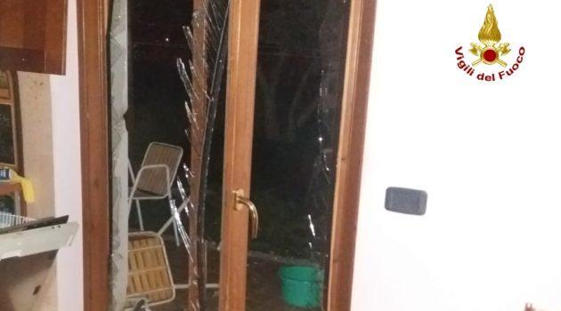 Bussolengo, esplosione ieri sera per una fuga di gas in un appartamento: un ferito