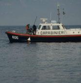 Torri del Benaco, sei indagati per le vecchie boe del porto gettate abusivamente nel lago