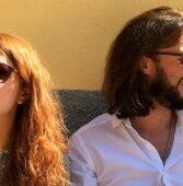 "Legnago, sabato al Bar del Teatro Salieri voce e chitarra del duo acustico ""De Cousins"""