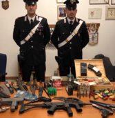 Lavagno, aveva un arsenale tra pistole e lanciarazzi in casa: arrestato dai Carabinieri
