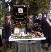 Concamarise, presepe della Confraternita del Tabar in mostra ad Assisi