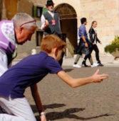 """Verona, parte il """"Tocatì"""" dei giochi di strada con il Commissario europeo all'educazione"""