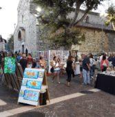 """Bardolino, tre giorni d'arte con """"1,2, Tlè"""" che fa della cittadina del Garda una Montmartre"""