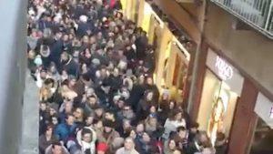 Verona Via Mazzini Presa d'assalto