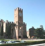 Villafranca, droga e prodotti contraffatti sequestrati ai concerti al Castello scaligero