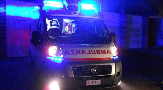 Sant'Ambrogio, esce di strada alle 2 di notte e finisce all'ospedale
