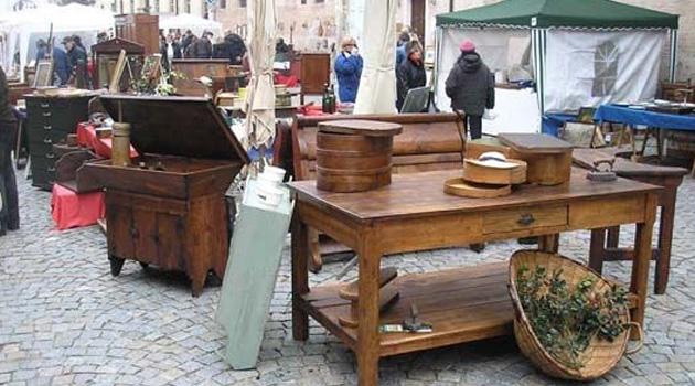 Torri del benaco domenica 19 aprile mercato dell for Mercatini antiquariato verona