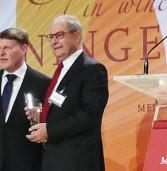 Premio alla carriera a Sandro Boscaini al Prowein di Dusseldorf