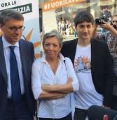 Roma, Cantone in piazza con i 5 Stelle per la legge a difesa di chi denuncia i corrotti