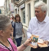 Legnago, sorpresa al mercato con il candidato Polo che regala sementi