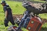 Monteforte d'Alpone, muore intrappolato sotto il trattore ribaltato in un fosso