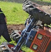 Verona, si ribalta col trattore a Moruri: è grave