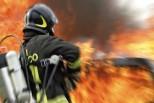 San Martino Buon Albergo, s'incendia un furgone e distrugge due aziende